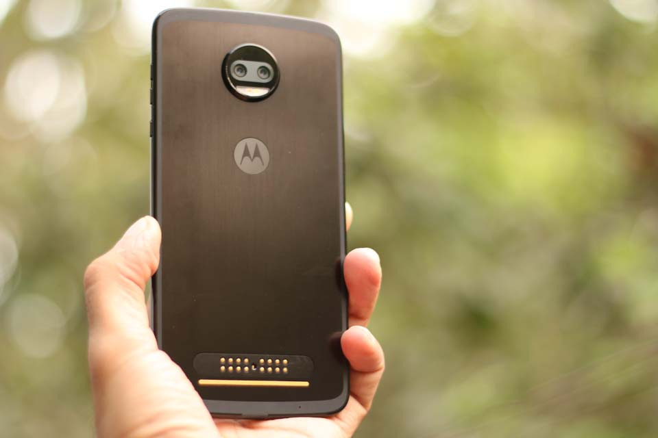 moto z2 force techindian